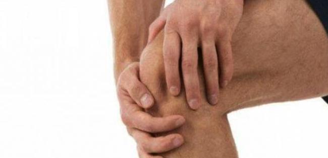 Щелчки в колене