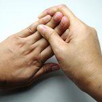 Почему немеют кончики пальцев на руках и что делать
