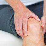 Онемение ноги в области от бедра до колена: причины и что делать