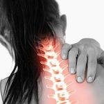 Болит позвоночник в области шеи: возможные причины и что делать