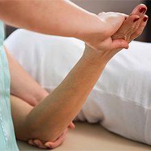 Как разрабатывать руку после перелома локтевого сустава: правила и упражнения
