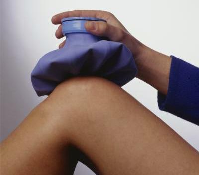 Ушиб колена при падении симптомы последствия и что делать