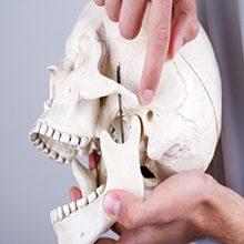 Вывих челюсти: симптомы и как вправить самостоятельно