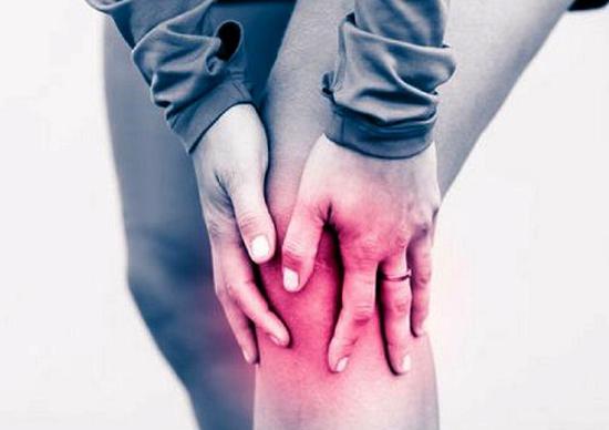 Сильная боль в колене