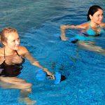 Плавание в бассейне и полезные упражнения в воде для позвоночника
