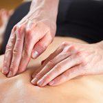 Мануальная терапия: что это такое, противопоказания и проведение