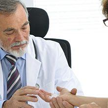 Какой врач лечит артриты и артрозы?