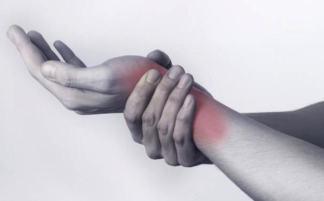 Боль в лучезапястном суставе