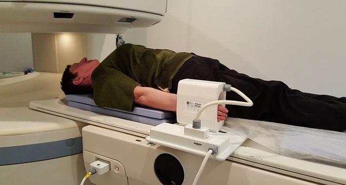 Проведение МРТ кисти руки
