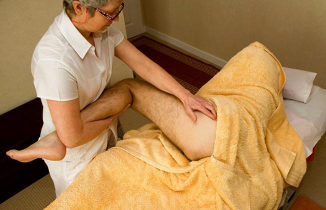 Как проводится массаж таза