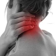 Болит шея у основания черепа: возможные симптомы и что делать