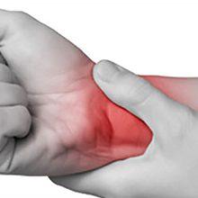 Ушиб лучезапястного сустава: виды, симптомы и лечение