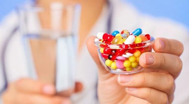 Много витаминов в руках
